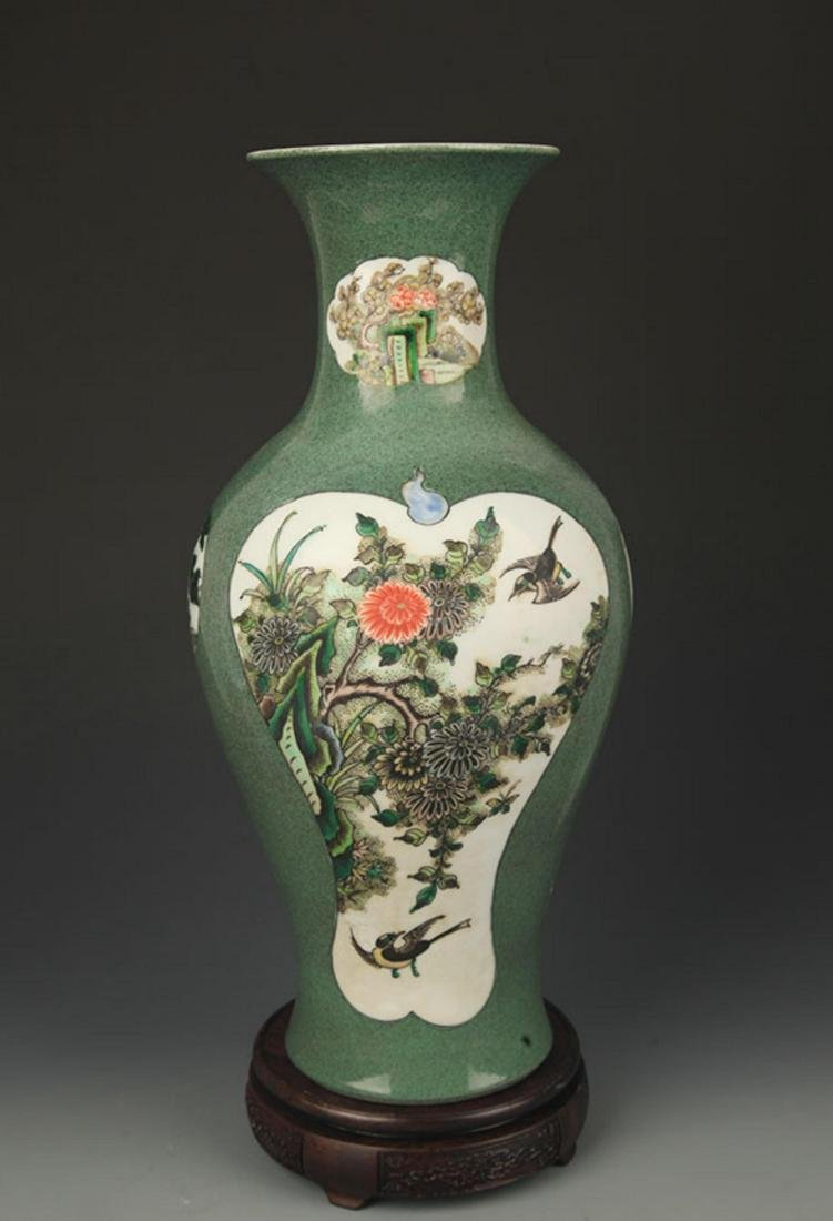 FAMILLE VERTE FLOWER AND BIRD PAINTED VASE
