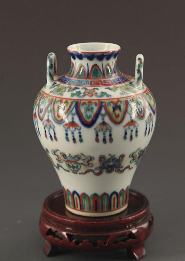 A FINE DOUCAI COLOR FLOWER PATTERN PORCELAIN JAR - 2