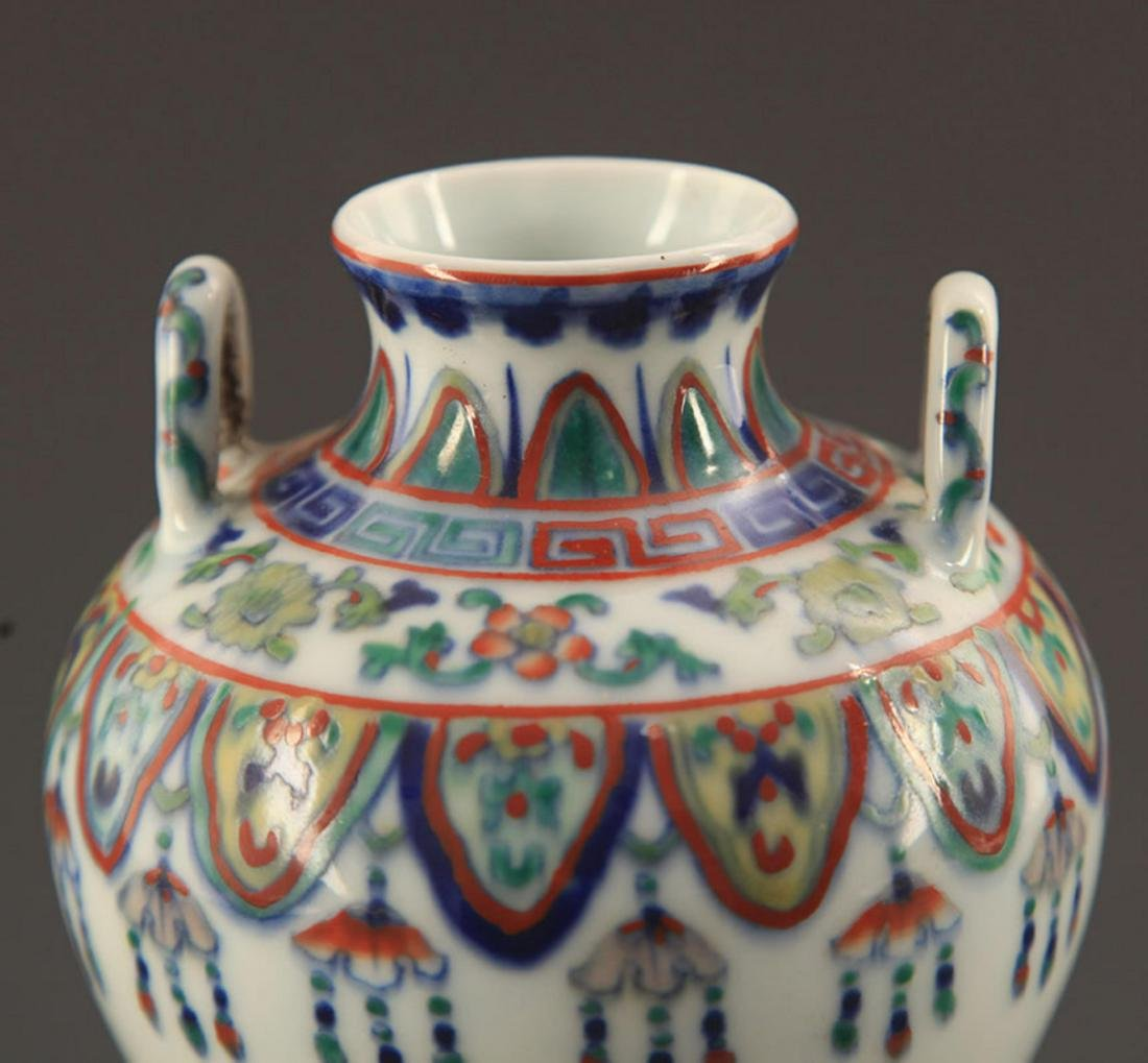 A FINE DOUCAI COLOR FLOWER PATTERN PORCELAIN JAR - 3