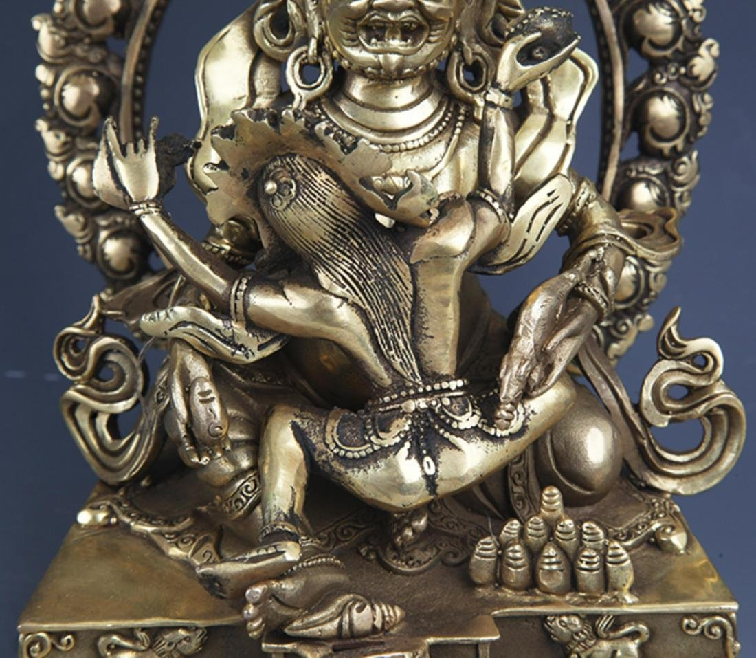 A FINELY CARVED BRONZE BUDDHA - 3