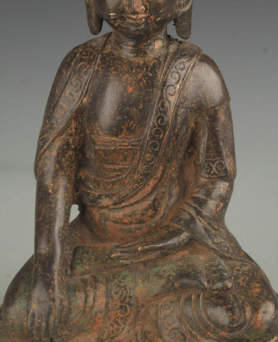 A FINE BRONZE AKSHOBHYA BUDDHA STATUE - 2