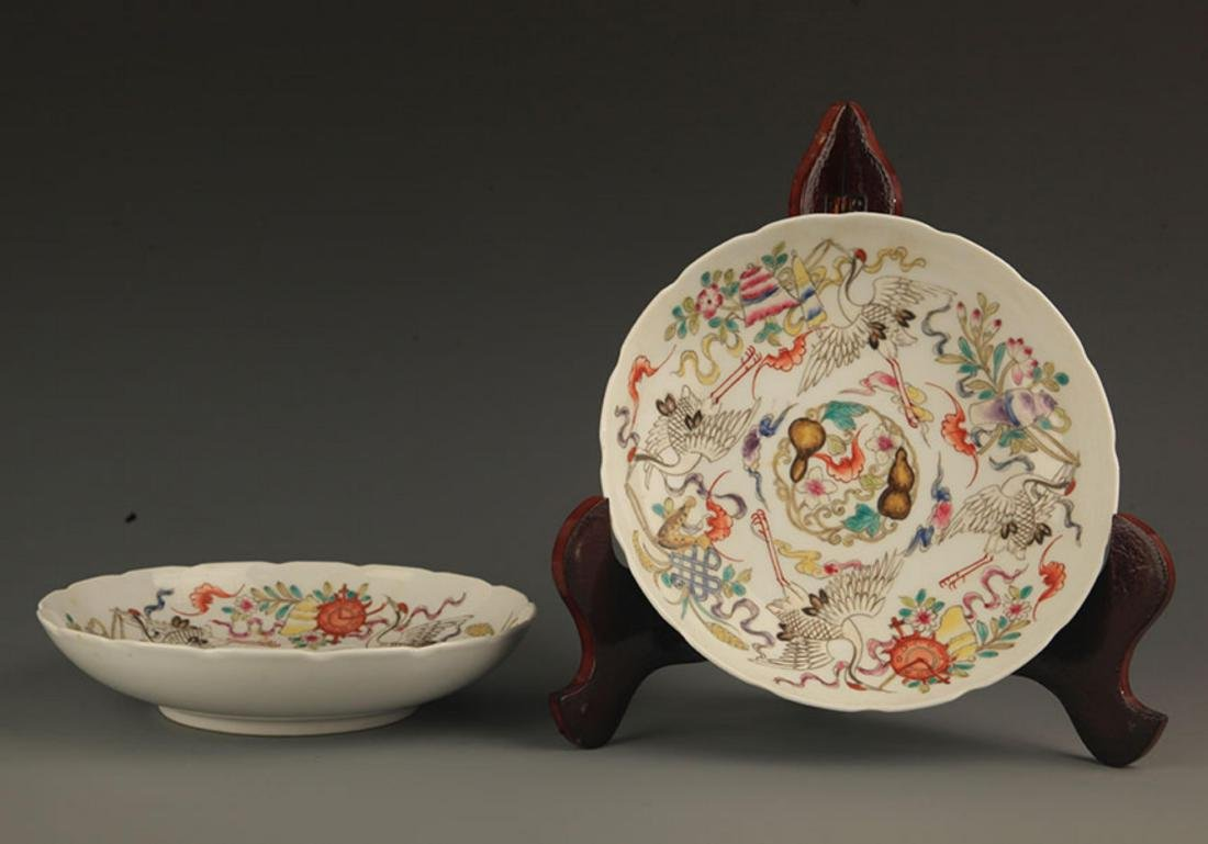 A FINELY PAINTED FAMILLE ROSE PORCELAIN BOWL - 3