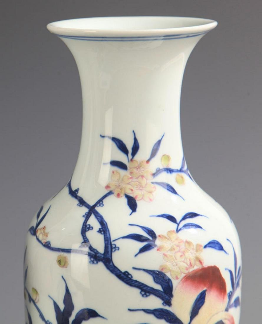 BLUE AND WHITE FAMILLE ROSE PEACH PATTERN VASE - 2