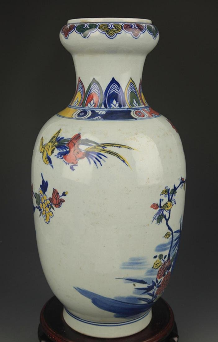 BLUE AND WHITE FAMILLE ROSE CHICKEN PATTERN VASE - 4
