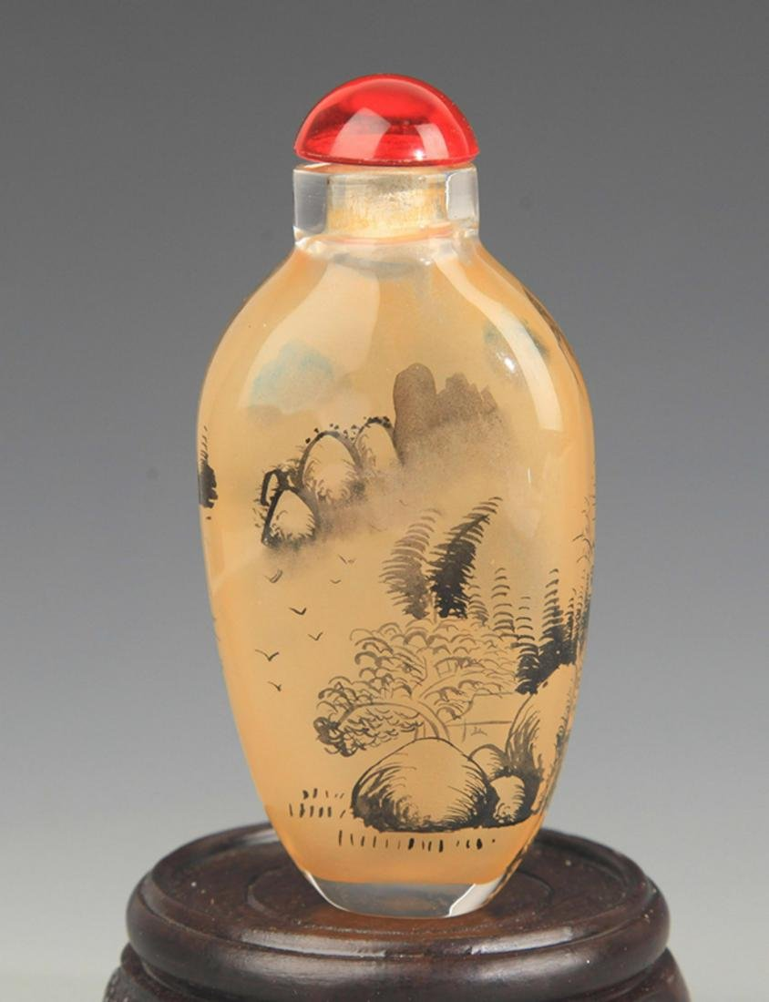 A LANDSCAPE PAINTED GLASS SNUFF BOTTLE - 2