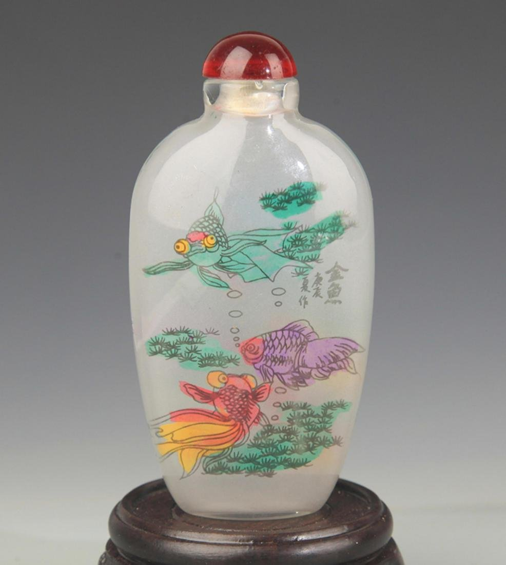A  FINE GOLD FISH PAINTED GLASS SNUFF BOTTLE - 2