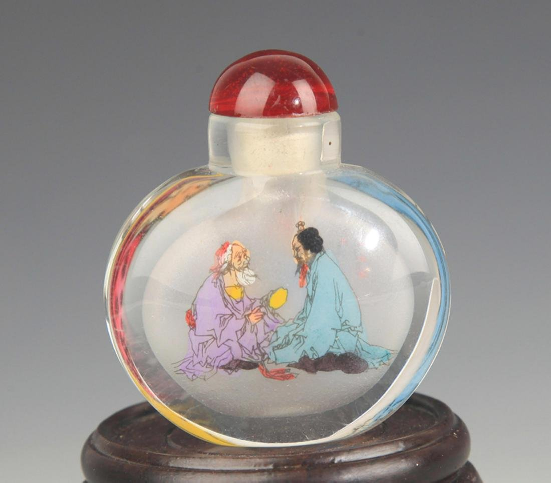 A  FINE CHARACTER PAINTED GLASS SNUFF BOTTLE - 2