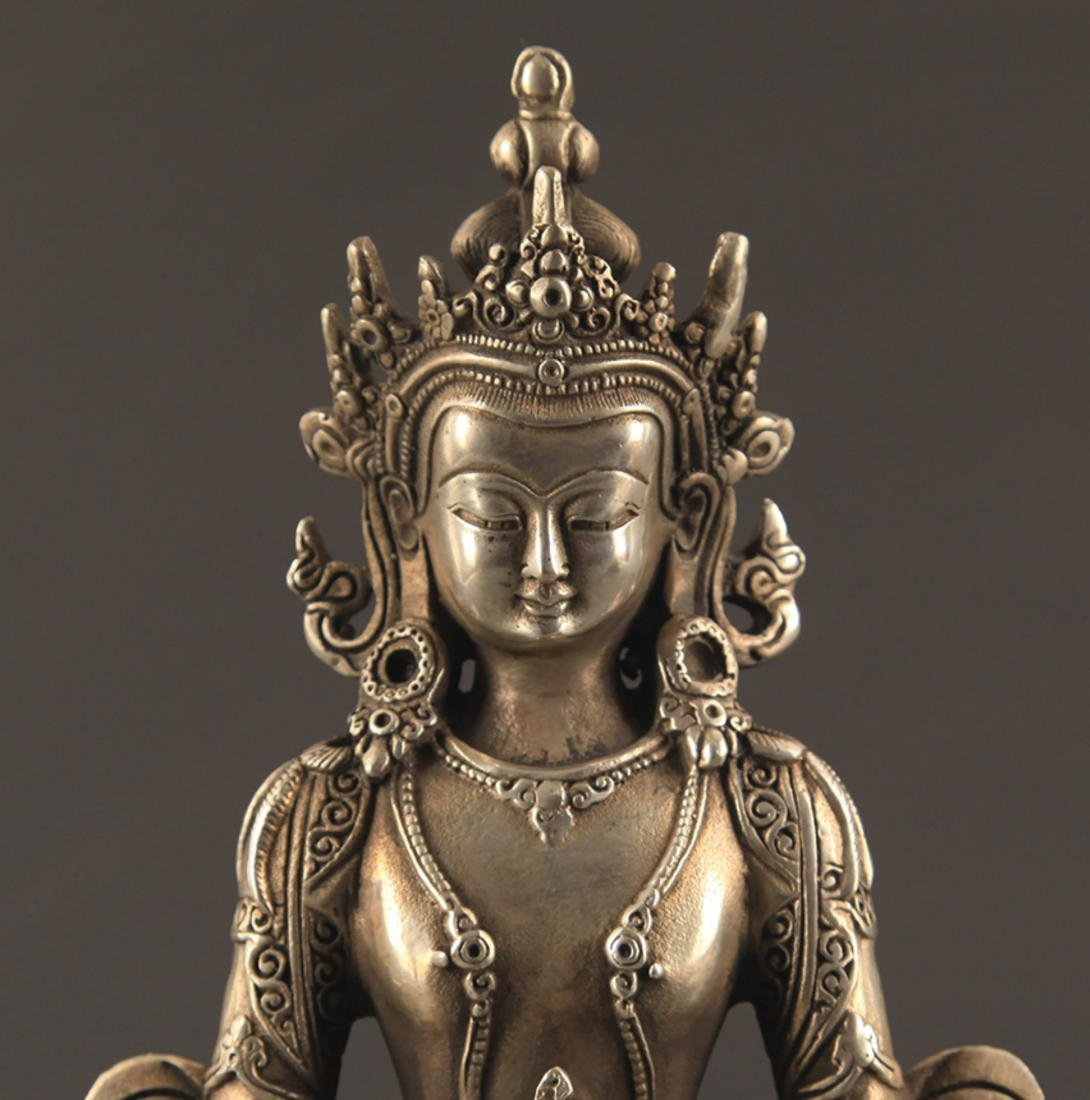 A FINELY CARVED BUDDHA STATUE - 2