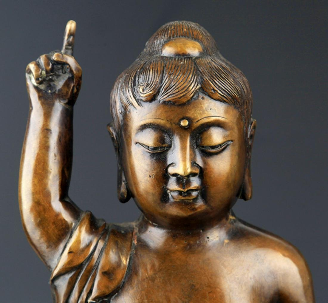 A TALL AND FINELY CARVED BRONZE BUDDHA - 2