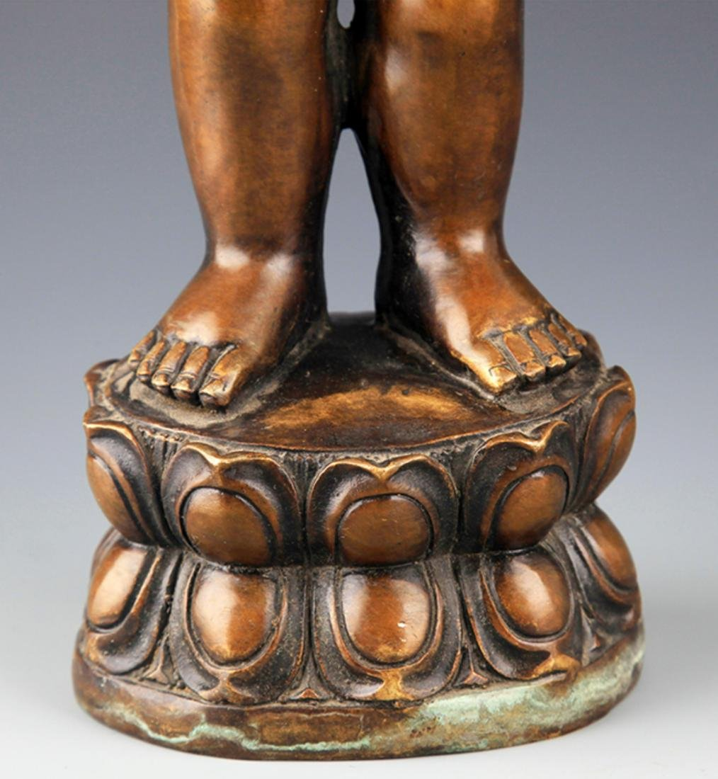 A TALL AND FINELY CARVED BRONZE BUDDHA - 4