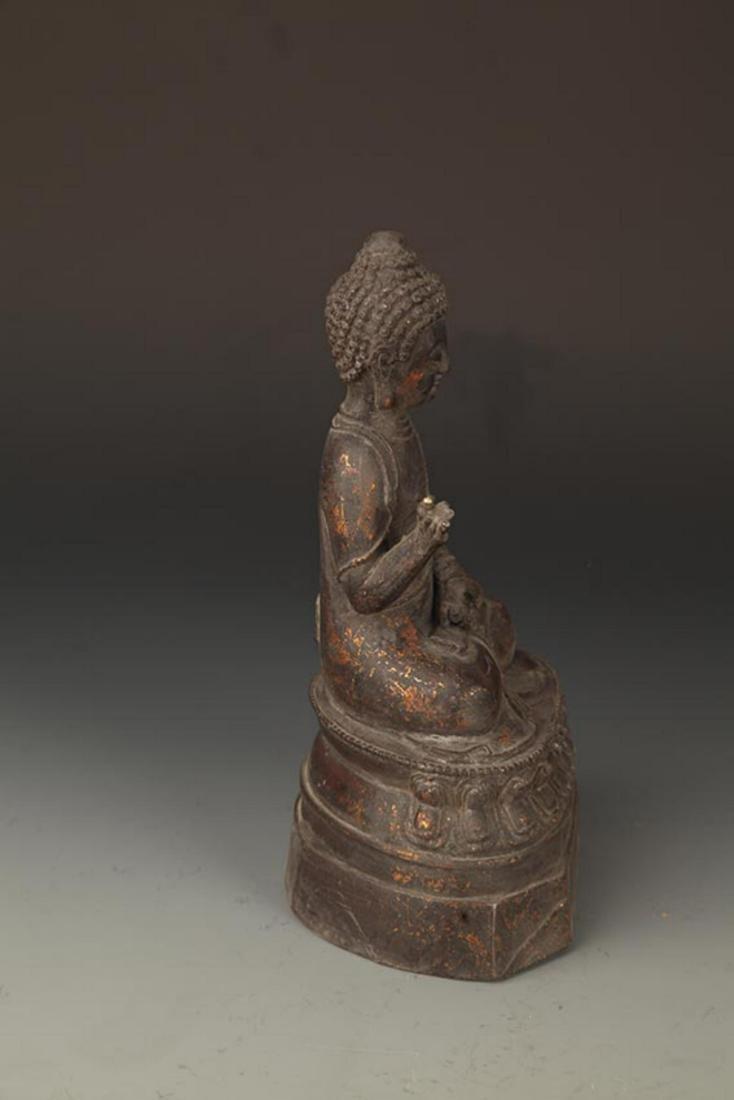 A FINE CAST IRON FIGURE OF TATHAGATA BUDDHA - 5