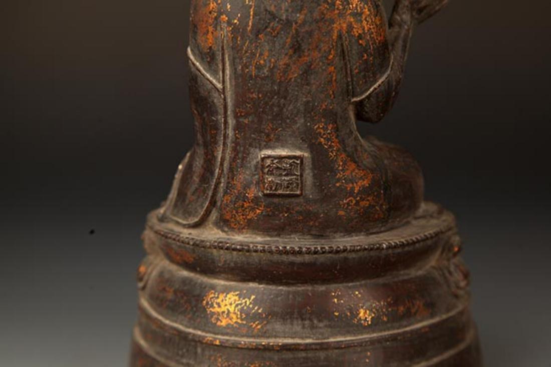 A FINE CAST IRON FIGURE OF TATHAGATA BUDDHA - 7