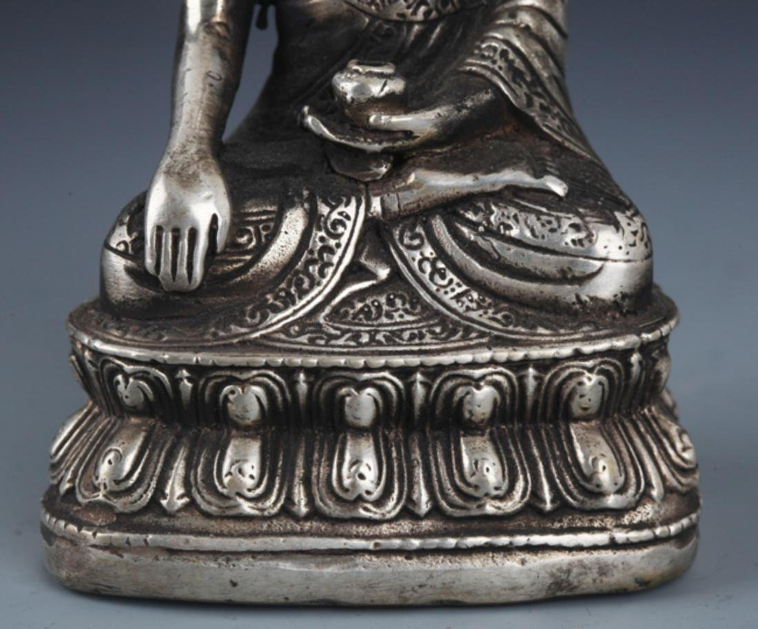 FINELY CARVED BRONZE BUDDHA - 4