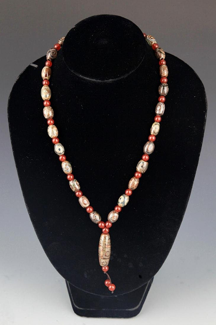 GROUP OF TWO TIAN ZHU AND CRYSTAL NECKLACE - 6