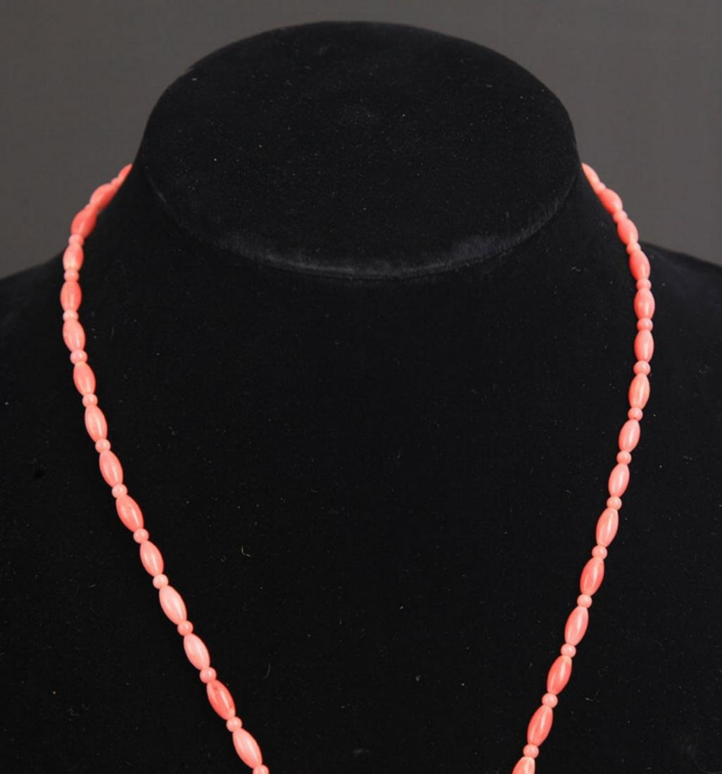 A FINE CORAL NECKLACE - 2