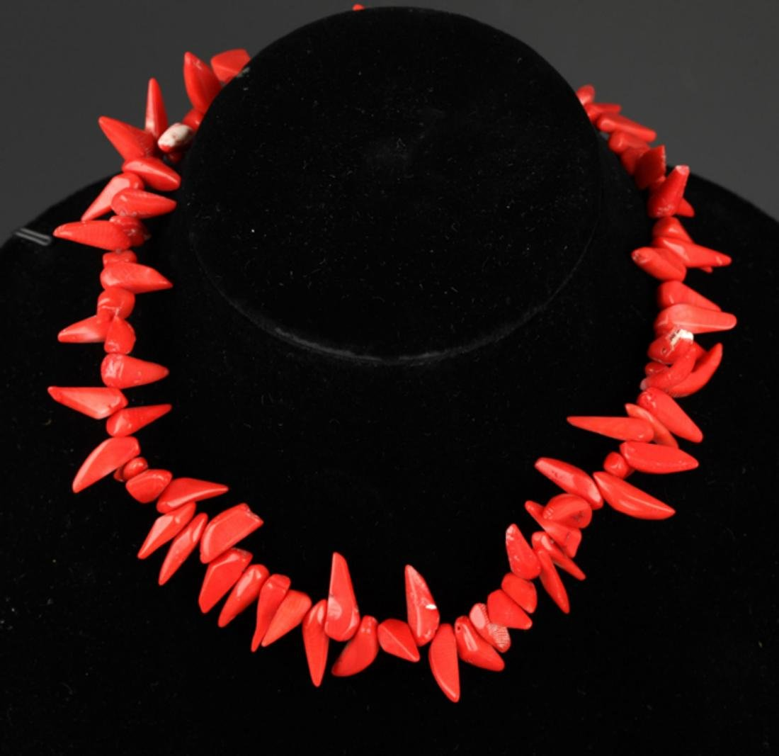 GROUP OF TREE CORAL NECKLACE - 9