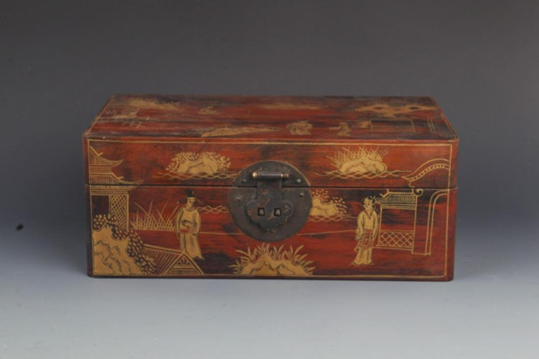 A GILT LACQUERED WOOD JEWELRY BOX