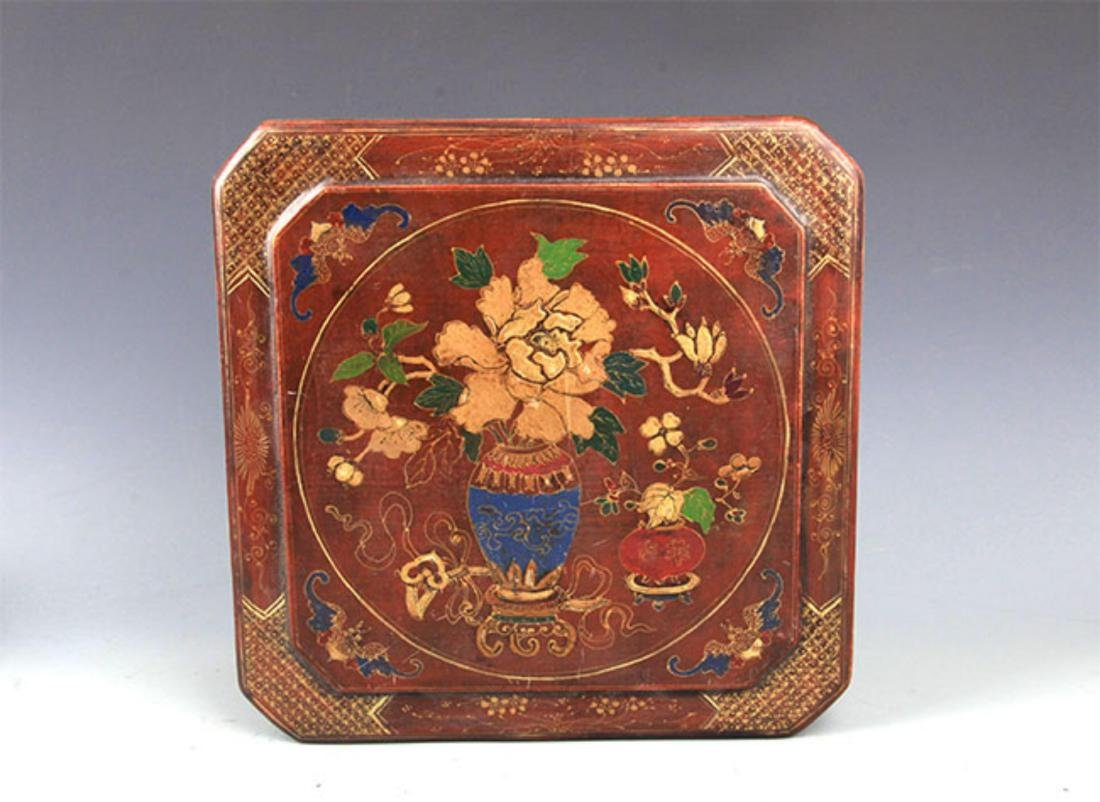 A GILT LACQUERED FLOWER PAINTED WOOD BOX - 2