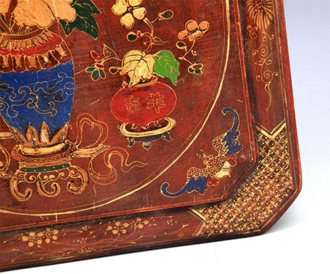 A GILT LACQUERED FLOWER PAINTED WOOD BOX - 4