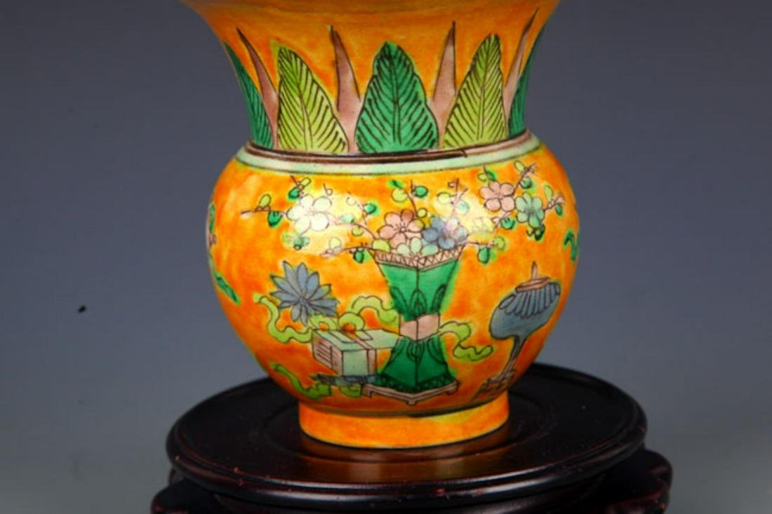 A YELLOW GROUND SAN CAI COLOR SPITTOON - 3