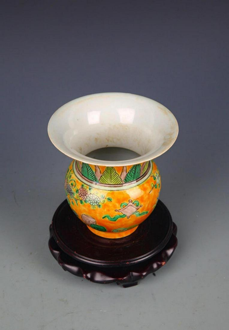 A YELLOW GROUND SAN CAI COLOR SPITTOON - 5
