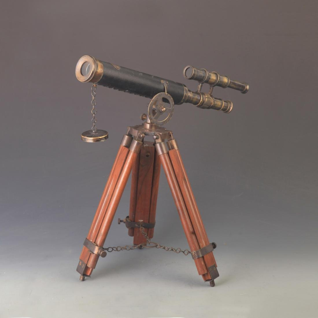 A FINE ENGLISH STYLE TELESCOPE WITH HUA LI MU WOOD BASE