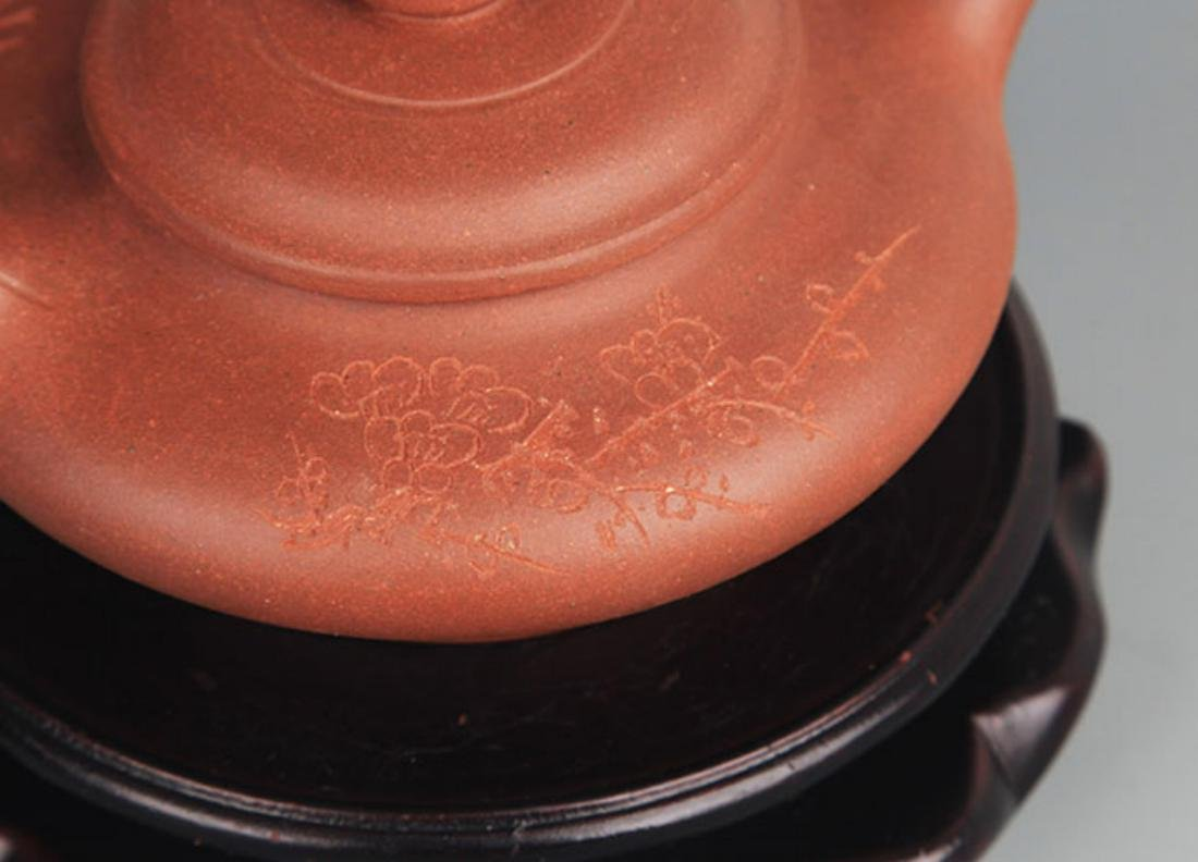 A FINELY MADE YI XING ZI SHA TEA POT - 3