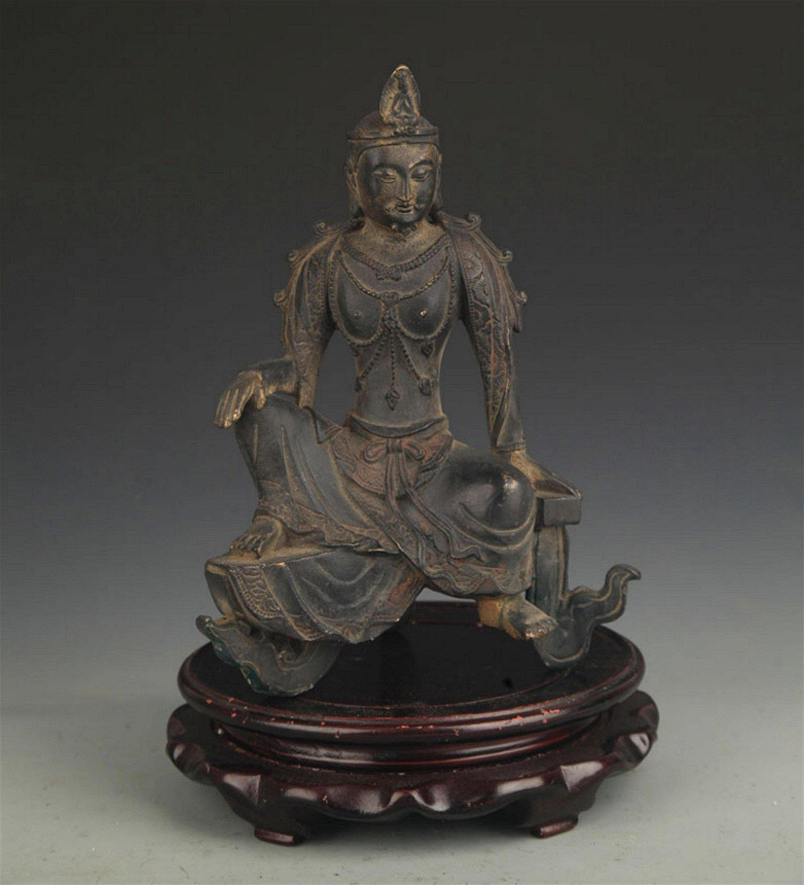 A FINE BRONZE SEATED BUDDHA FIGURE