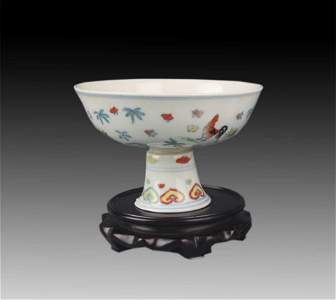 A FINE DOU CAI COLOR CHICKEN PATTERN HIGH FOOT BOWL
