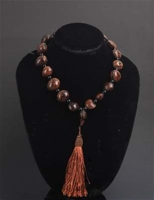 A FINE BODHI TREE SEED NECKLACE