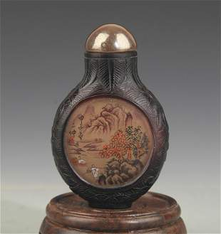 A FINE CHARACTER PAINTED GLASS SNUFF BOTTLE