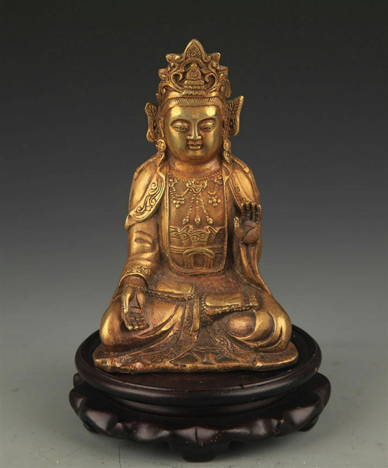 A FINE BRONZE ARYA-AVALOKITESVARA BUDDHA STATUE