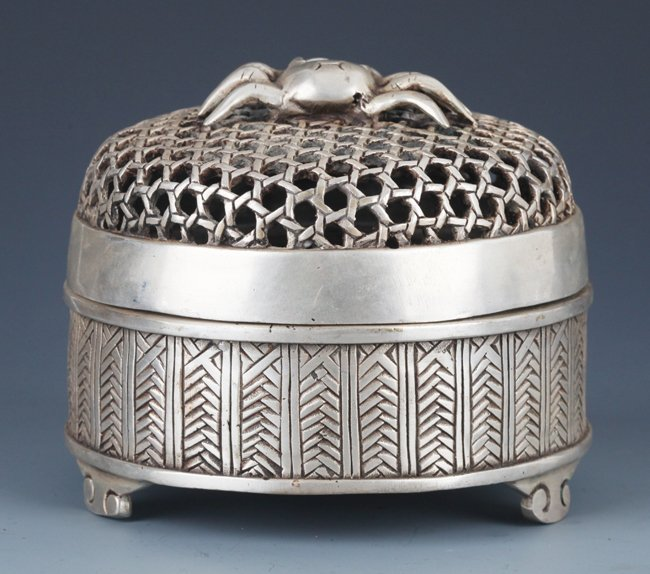 """A FINELY """"SPIDER"""" CARVED SILVER PLATED BOX WITH COVER"""