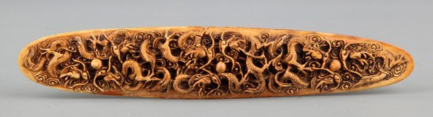 A FINELY HANDCARVING IVORY PAPER WEIGHT