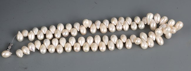 A FINELY DESIGNED PEARL NECKLACE - 3