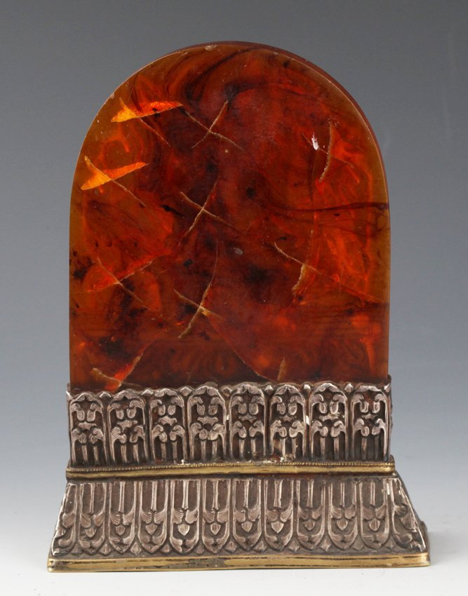 A FINELY CARVED AMBER IN FORM OF TIBETAN BUDDHA - 4