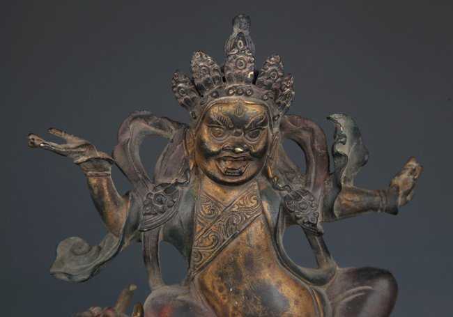 A DETAIL AND FINELY CARVED BRONZE TIBETAN BUDDHA - 2