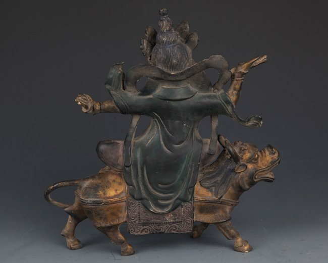 A DETAIL AND FINELY CARVED BRONZE TIBETAN BUDDHA - 5