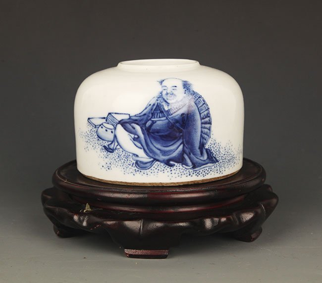 """A BLUE AND WHITE """"LUO HAN"""" PORCELAIN WATER JAR"""