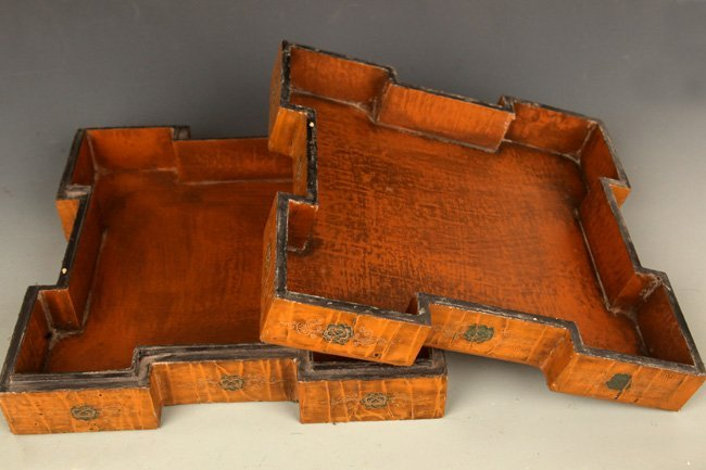 A FINE GILT LACQUERED WOOD BOX WITH COVER - 6