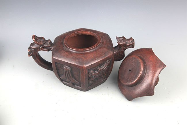 A FINE HOUSE SHAPED YI XING ZISHA TEAPOT - 10