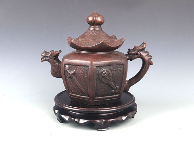 A FINE HOUSE SHAPED YI XING ZISHA TEAPOT
