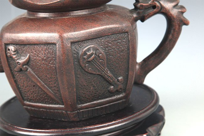 A FINE HOUSE SHAPED YI XING ZISHA TEAPOT - 5