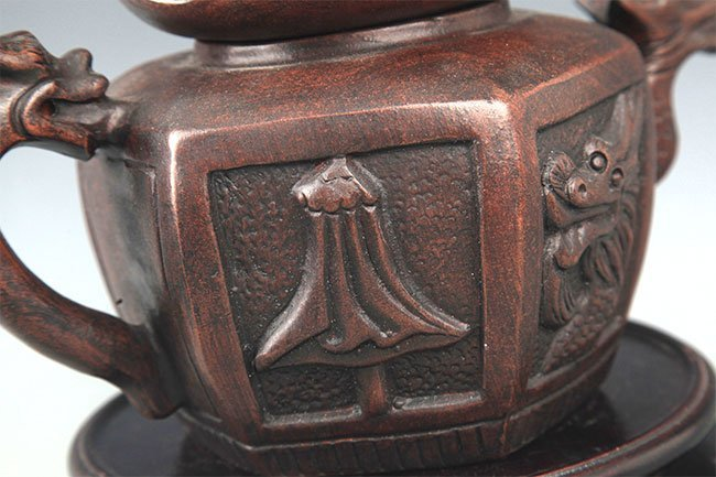 A FINE HOUSE SHAPED YI XING ZISHA TEAPOT - 8