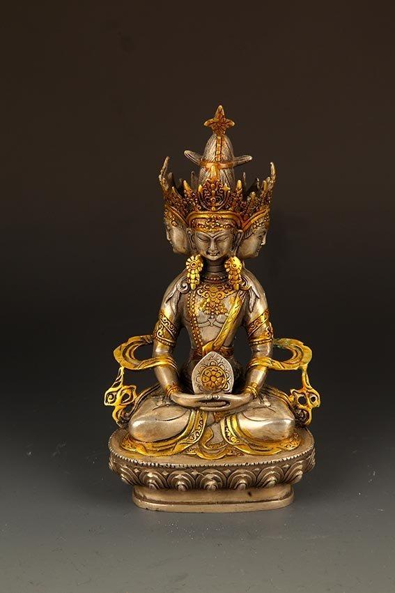 A FINE TIBETIAN BRONZE TATHAGATA BUDDHA