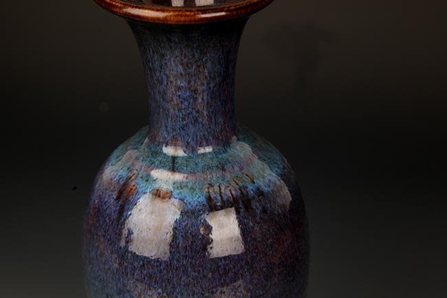 A FINE DARK BLUE COLOR PORCELAIN JAR - 2