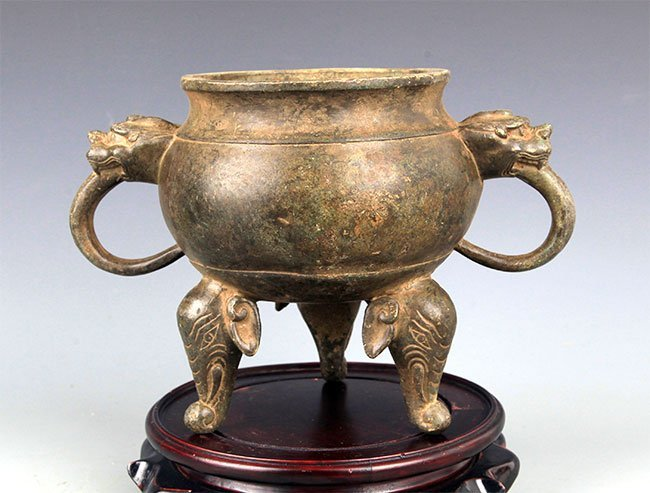 A DOUBLE ELEPHANT EAR BRONZE CENSER