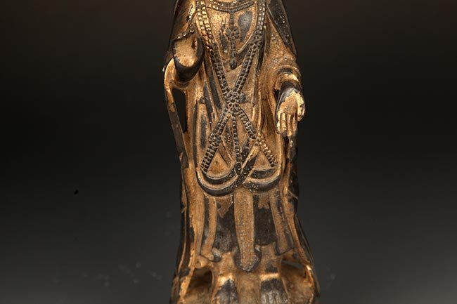 A FINELY CARVED BRONZE MANJUSRI BUDDHA FIGURE - 3