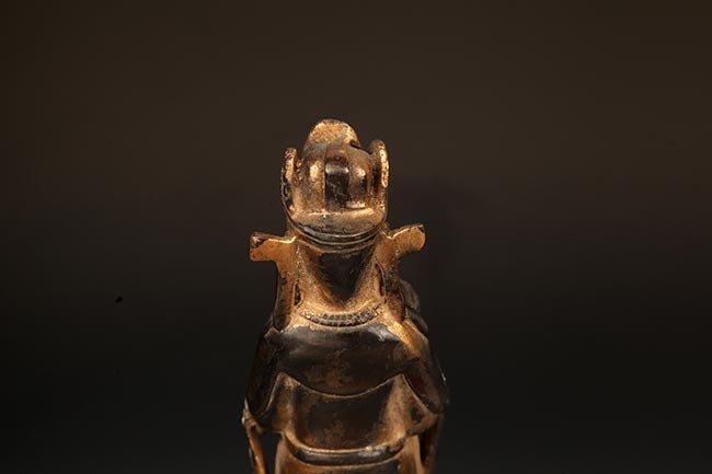 A FINELY CARVED BRONZE MANJUSRI BUDDHA FIGURE - 7