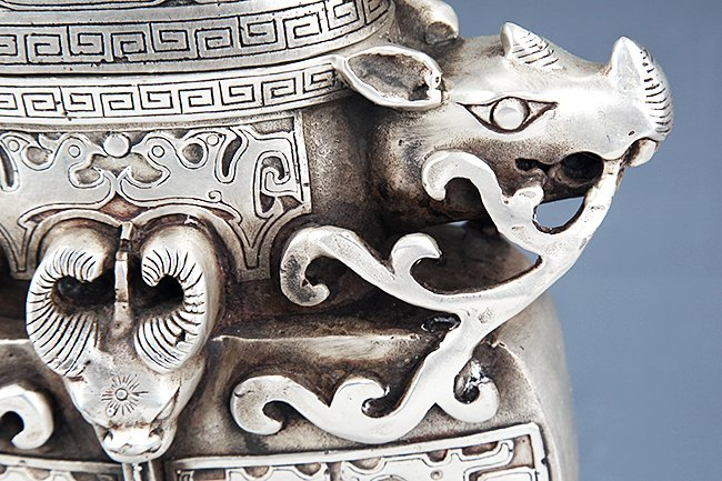 VERY DETAILED CARVING BRONZE WATER POT - 8